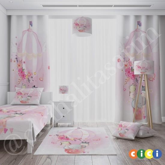 Uçan Hava Balonu ve Sevimli Hayvanlar Kız Çocuk Odası Halısı-CK762